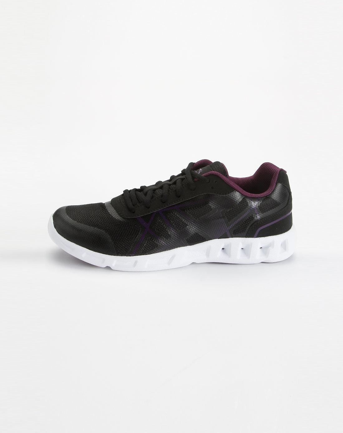 黑色时尚休闲运动鞋61221750-3