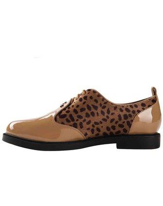 色漆皮系带女单鞋