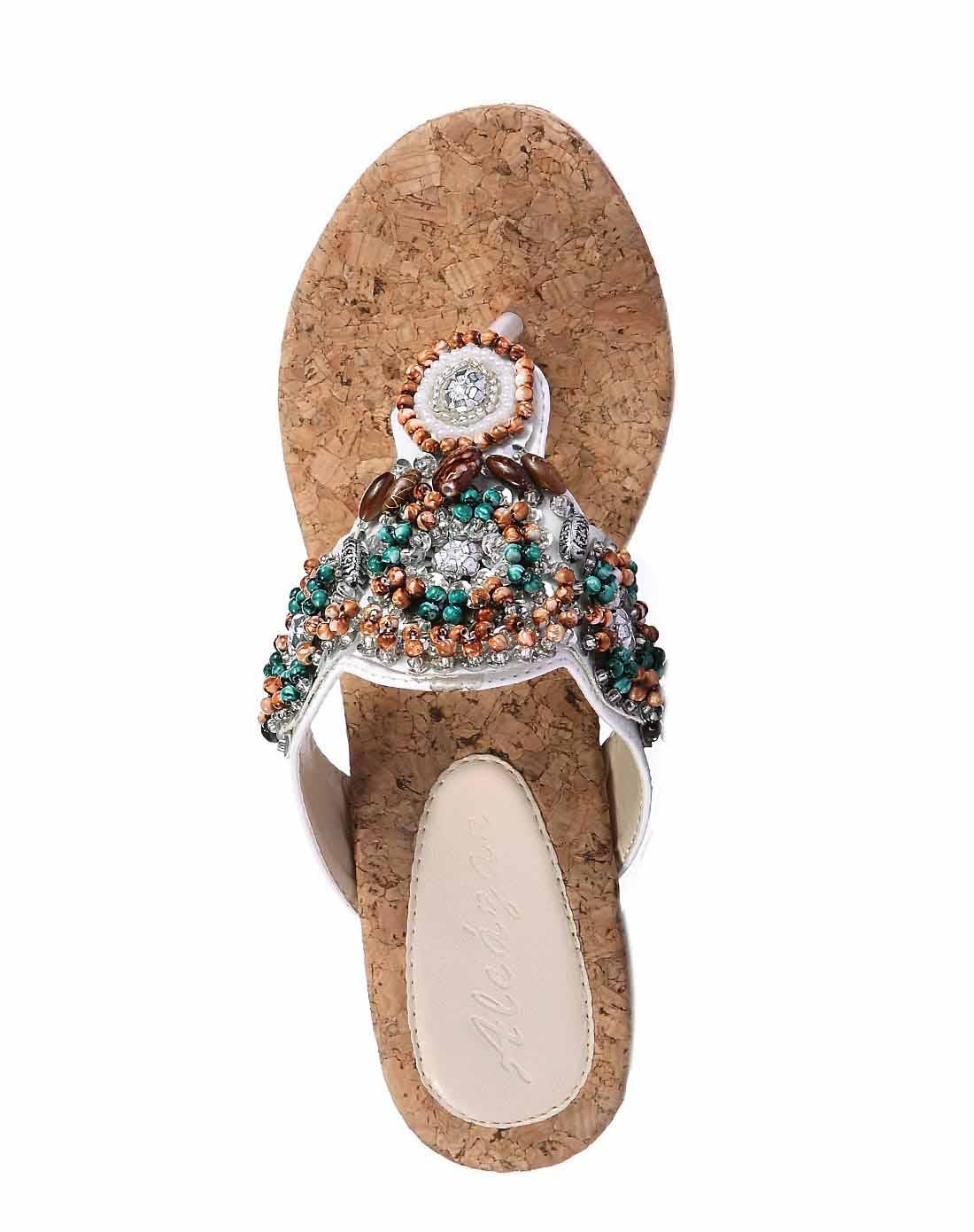 阿卡莎alcazar女款白色串珠软木纹坡跟夹脚鞋凉鞋tb
