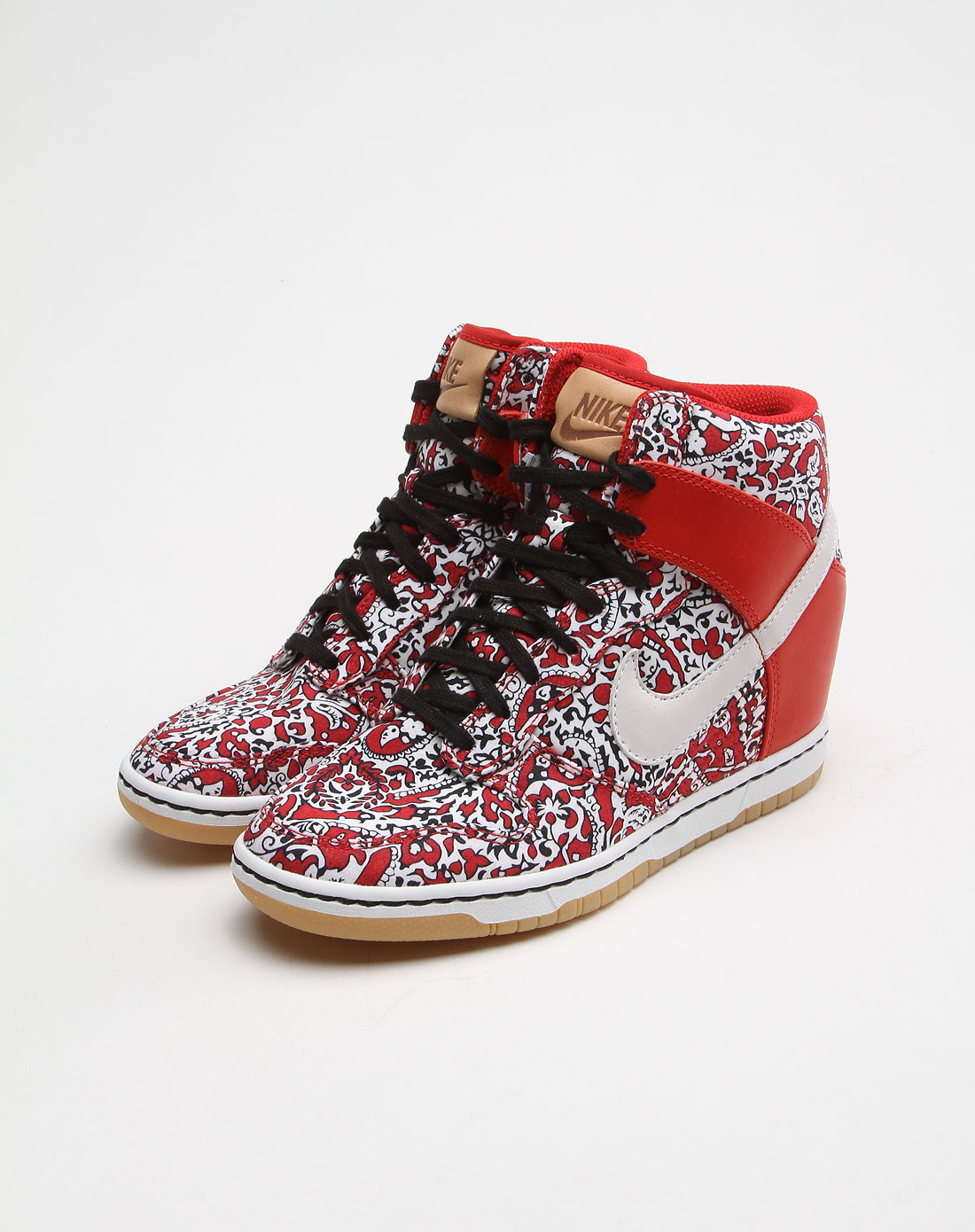 女款印花古典中国风白底红色休闲鞋
