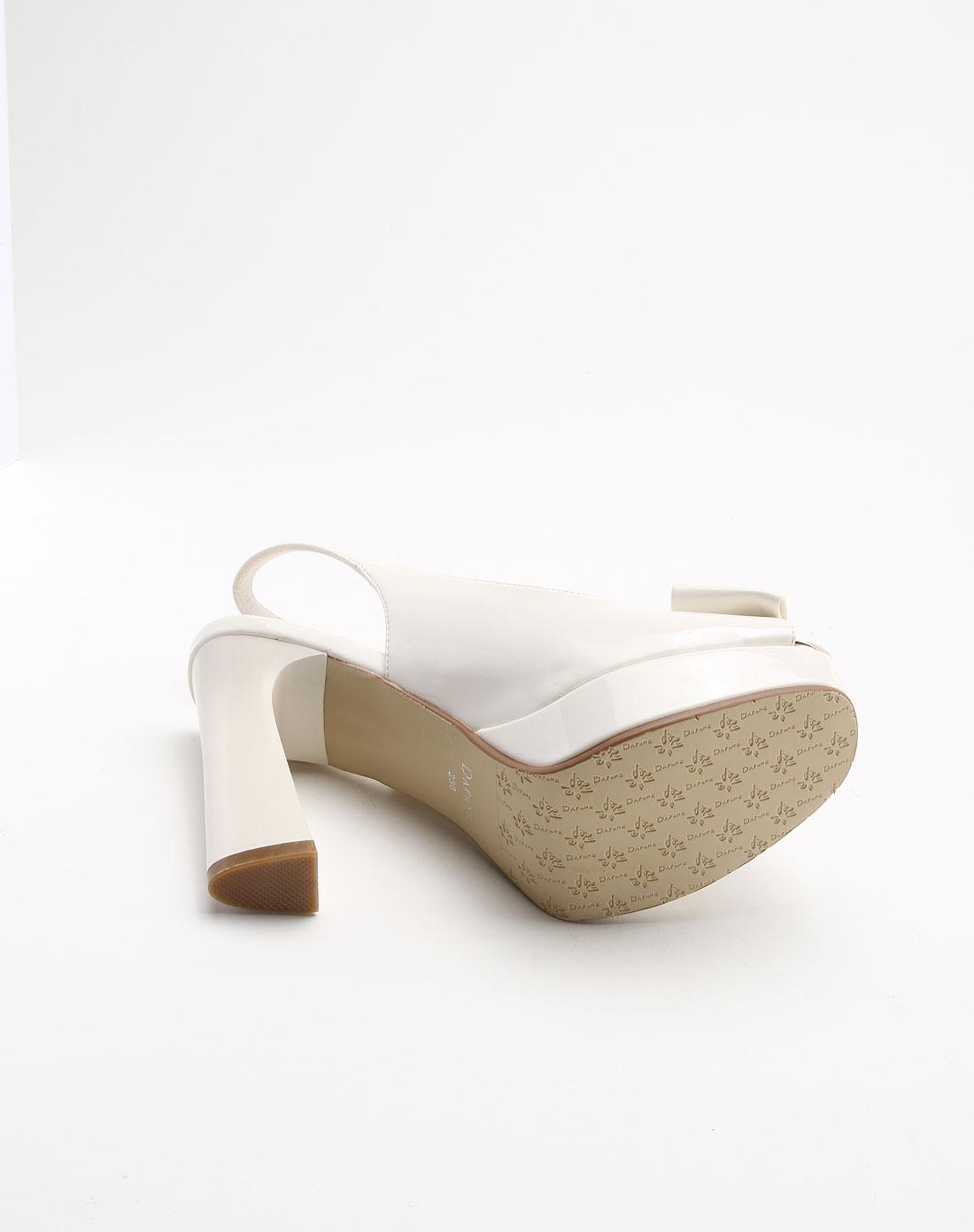 达芙妮daphne日系淑女风米白色高跟凉鞋