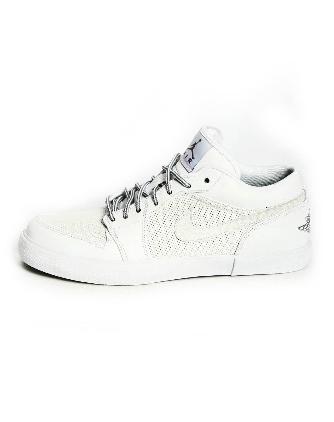 耐克nike-男子白色篮球鞋481177-100
