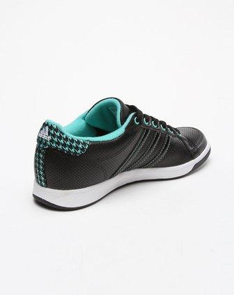 阿迪达斯adidas男女鞋女款黑/航空绿色经典款撞色