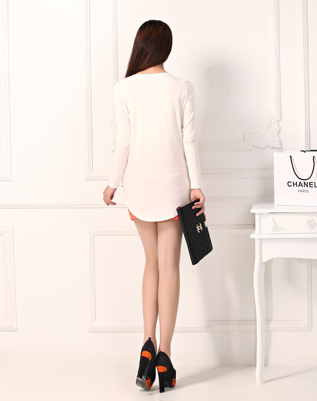 白色美女印花时尚针织衫